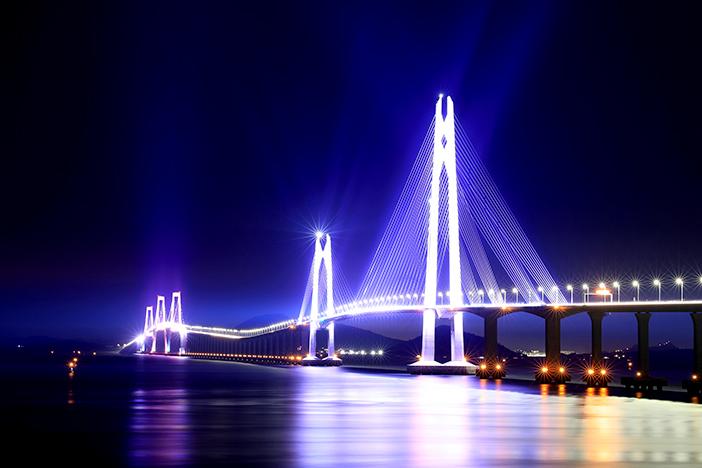 千四大橋のライトアップ(全羅南道新安郡)