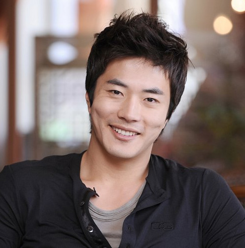 Kwon Sang-Woo ()