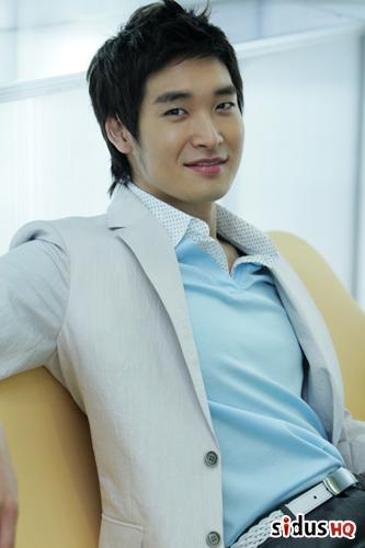 Jung Gyu-woon (정겨운)
