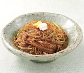 チャプチェ(野菜と春雨の炒め物/잡채)