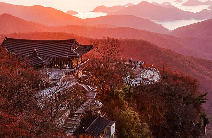 Geumsan Boriam Hermitage (top credit: Namhae-gun Office)