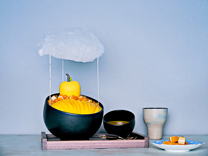 Cloud Mango Bingsu (top, credit: Intercontinental Seoul Parnas), Jjajang Bingsu (left, credit: Café Oz) & Crème Brulee Bingsu (right, credit: Park Hayatt Seoul)