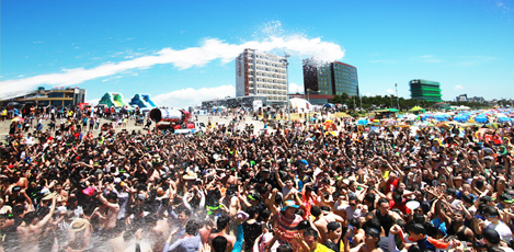 韩国与世界同享的夏季庆典——保宁美容泥浆节