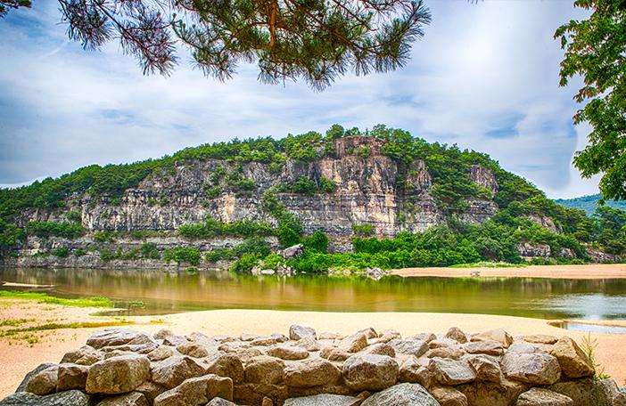 Buyongdae Cliff
