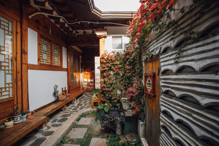 Inwoo House with the mood of Bukchon