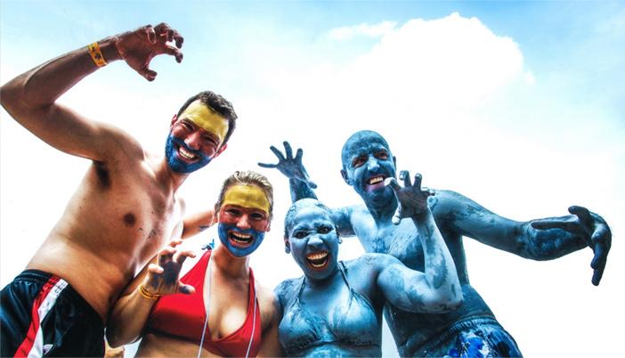 Touristen auf dem Schlammfestival (Quelle: Boryeong Mud Festival Organization Committee)