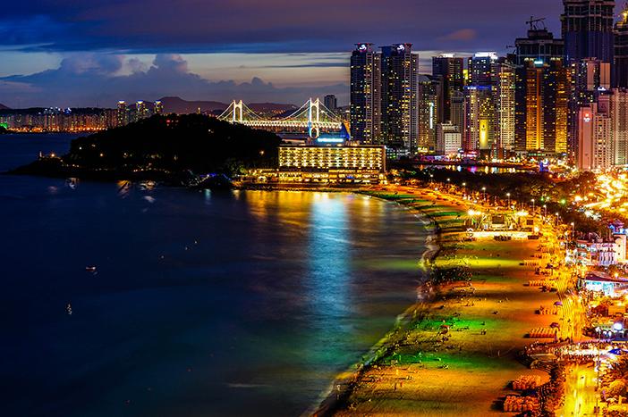 Vista nocturna de la playa Haeundae.