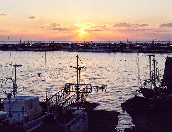 Amanecer en el Puerto Guryongpohang.