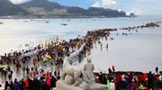 """La traversée de la route de la mer, """"le festival du miracle de Moise a Jindo"""""""