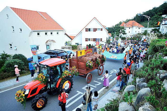 Oktoberfest im Deutschen Dorf (Quelle: Namhae-gun Office)