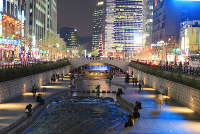 Cheonggyecheon Stream at night