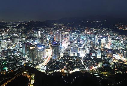 Vista nocturna desde el Teleférico del Monte Namsan