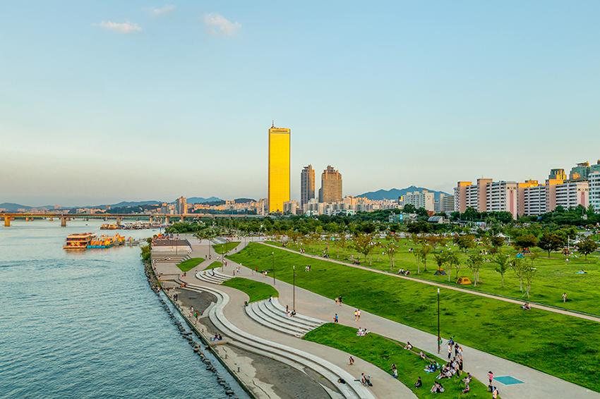 Parque Yeouido del Río Hangang.