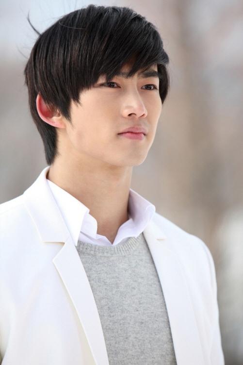 Taec Yeon (Ok Taec-yeon, 택연)