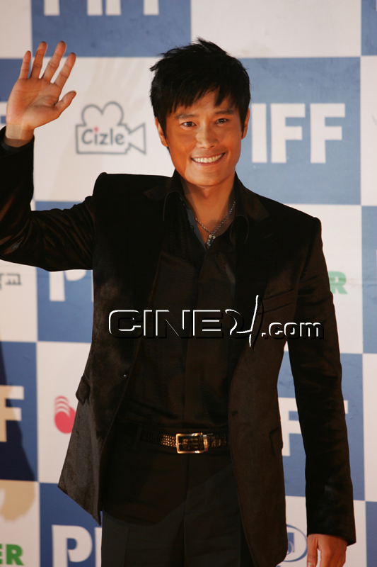 Lee Byung-hun (이병헌)