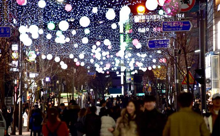 2018新村クリスマス・ストリートフェスティバルの様子(提供:西大門区庁)