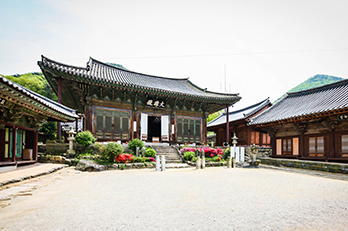 Photo: Heungguksa Temple
