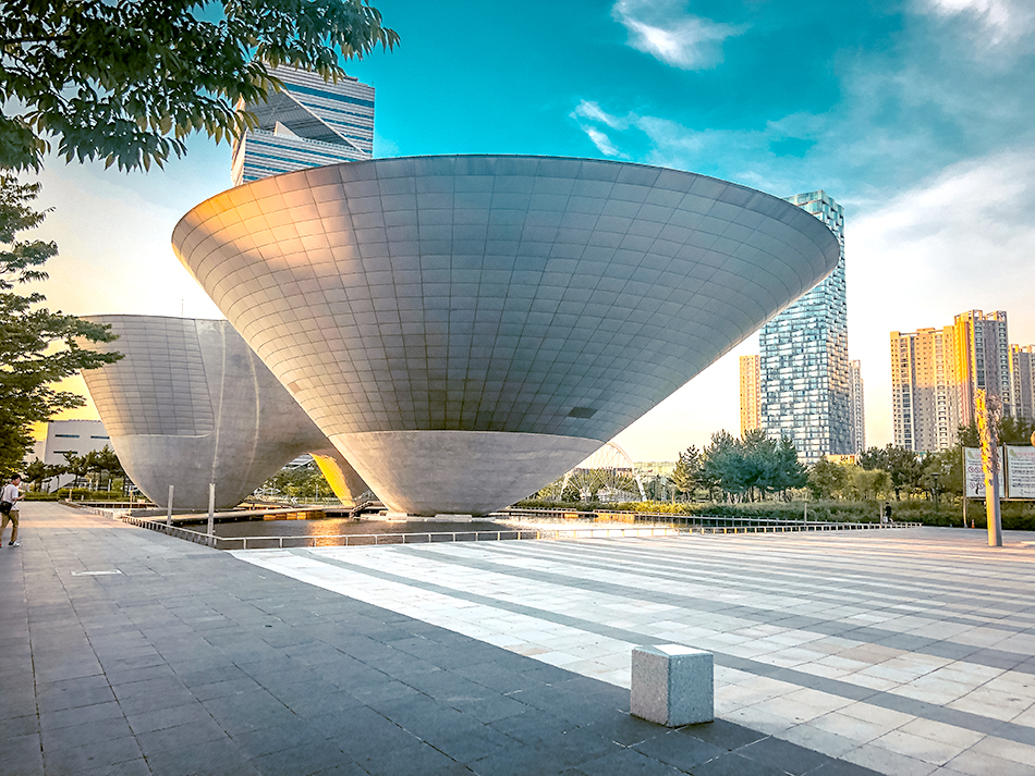 Tri-Bowl at Songdo Central Park (Credit: Adventures with NieNie)