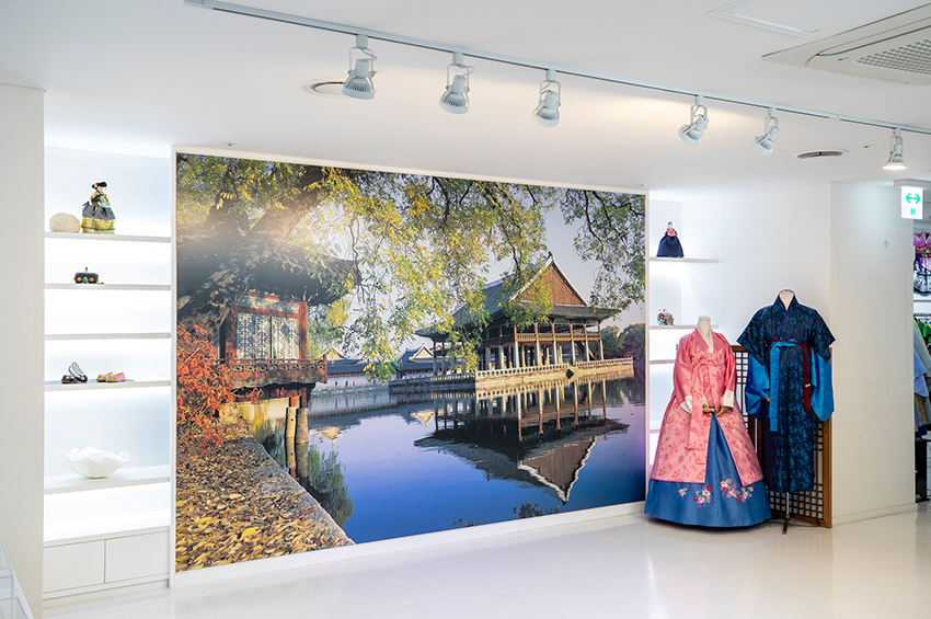 Зал ханбока в K-Style Hub