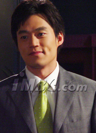 Lee Seo-jin ()
