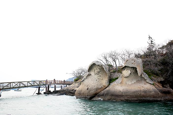 Gatbawi Rock (top) & National Maritime Museum (bottom credit: National Maritime Museum)