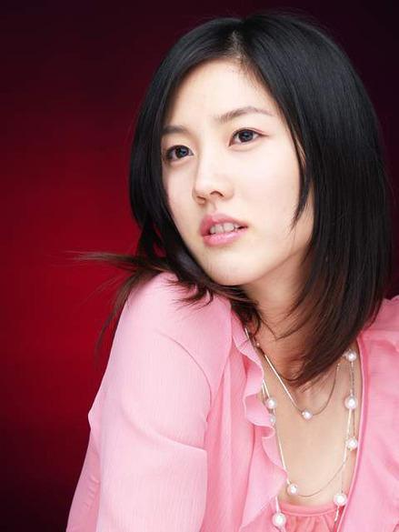 Lee Soo-kyung (이수경)