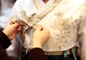 Essayage du hanbok
