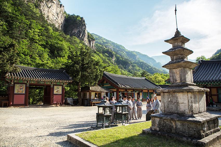參加寺院寄宿的遊客們 (圖片來源: 韓國佛教文化事業團)