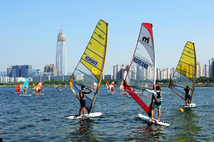 漢江水上帆船(圖片來源: 首爾市)