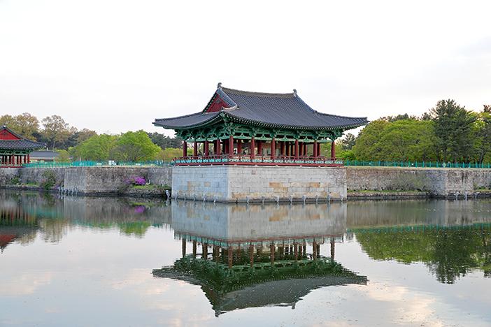 东宫与月池