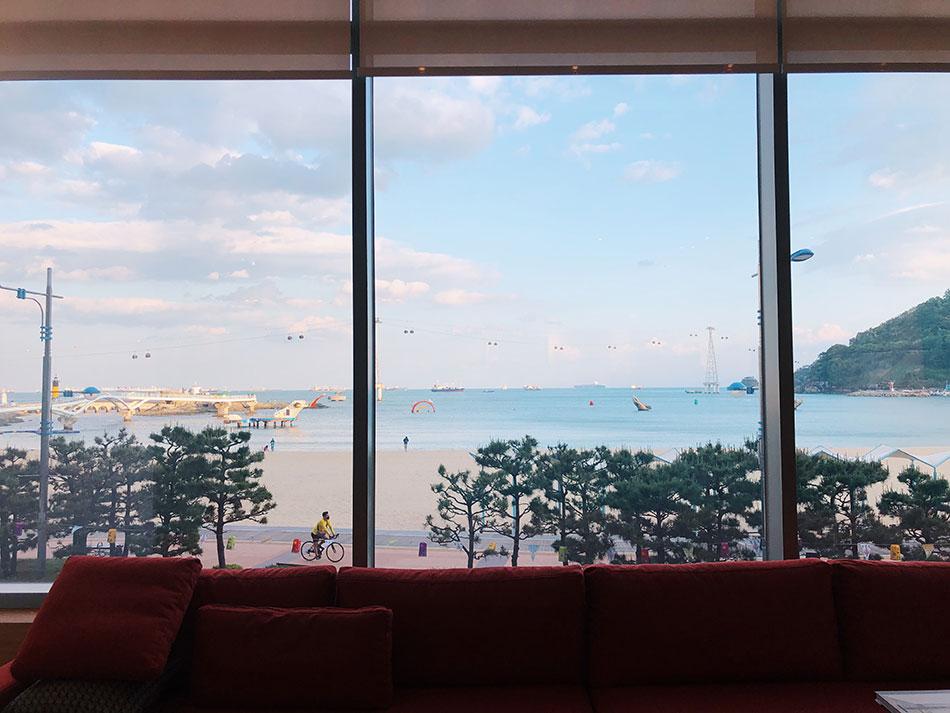 Hotel café in Fairfield by Marriott – Busan Songdo Branch (Credit: Cayly Warner)