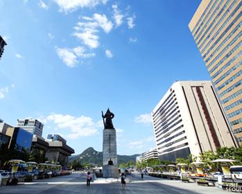 光化门广场(提供:首尔观光财团)