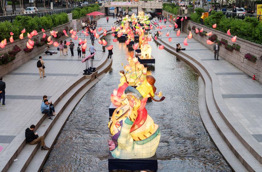 Exposition des lanternes le long de la rivière Cheonggyecheon (aut: Festival des lanternes)