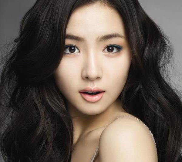 Sin Se-gyeong (신세경)
