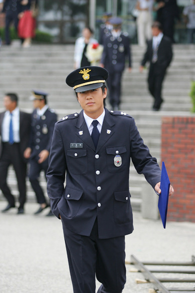 Kim Rae-won (김래원)