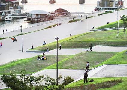 Парковая зона Ттуксом на реке Ханган