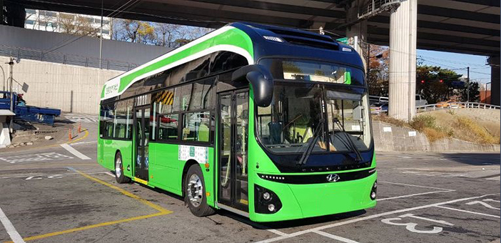 ソウルを走る電気バス(写真提供:ソウル特別市)