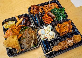 写真:通仁市場のお弁当