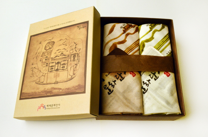 Handkerchief Printed with Antique Map of Baekje Cultural Land (2-piece set)