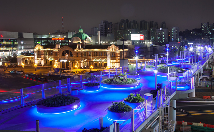 Seoullo 7017 at night (Credit: Seoul Metropolitan Government)