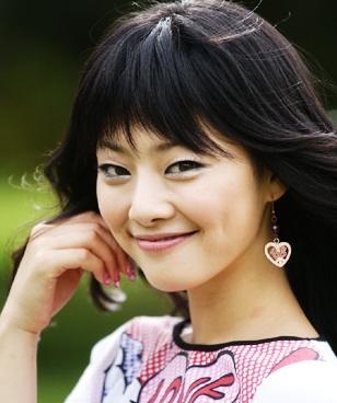 Hong Soo-ah (Hong Su-a 홍수아)