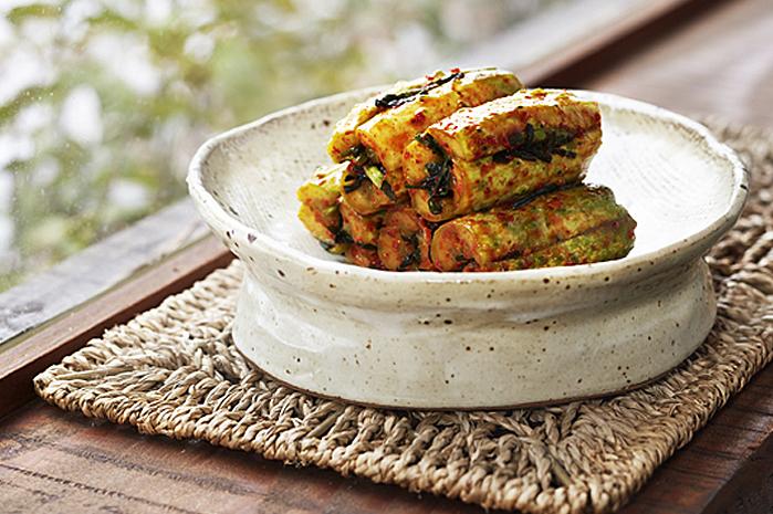 Oi-so-bagi: Cucumber Kimchi