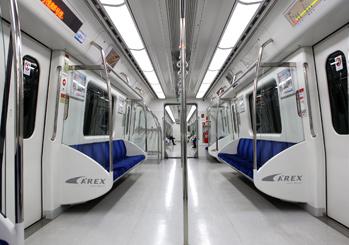 5. 搭乘機場鐵路一般列車或地鐵