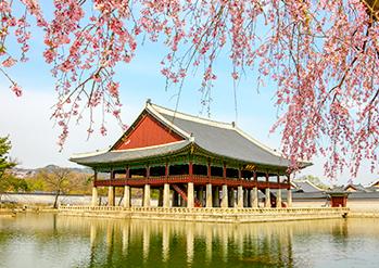 Photo: Gyeongbokgung Palace's Gyeonghoeru Pavilion