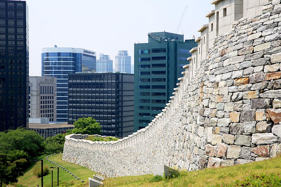崇礼門区間の城壁