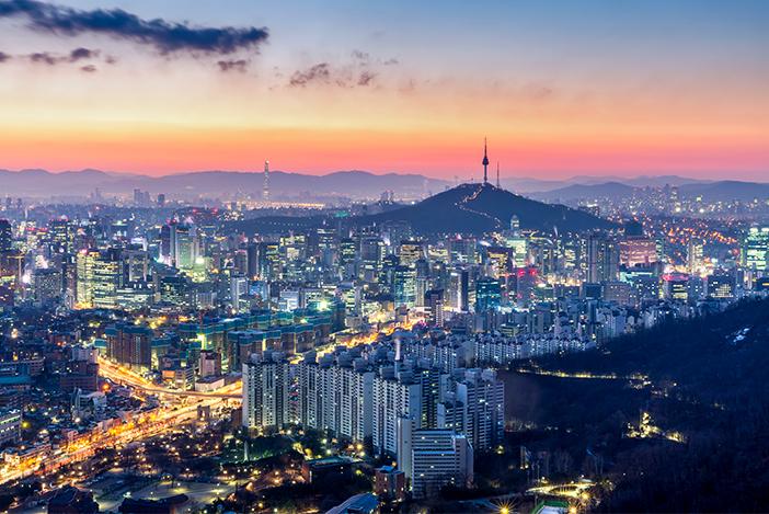 Crédits) Paysage nocturne de Séoul