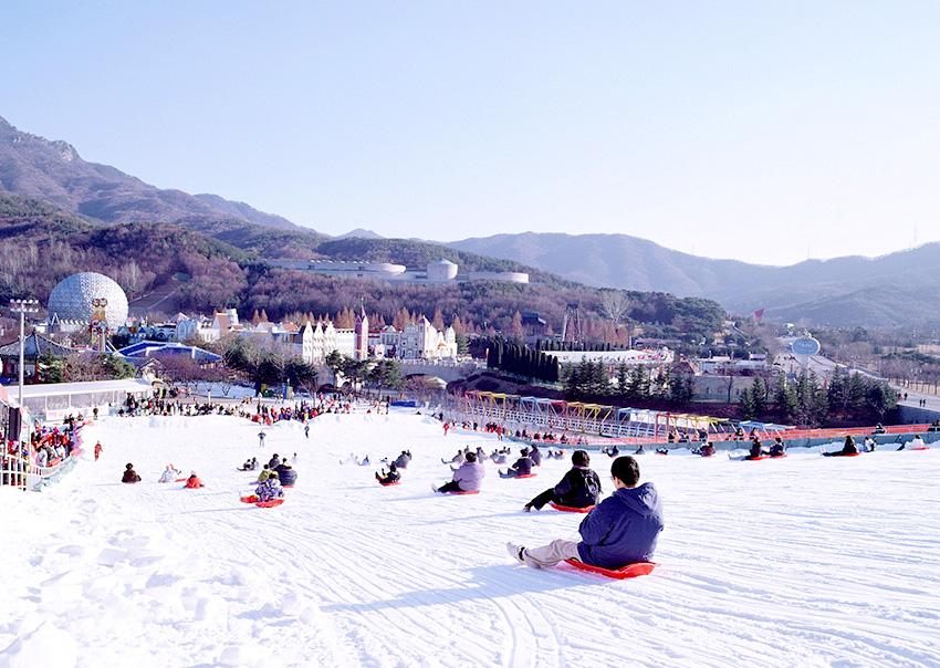 Снежные горки в парке развлечений Seoul Land (Фото предоставлено: Seoul Land)