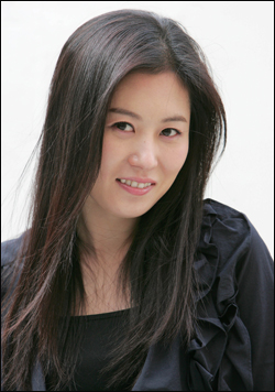 Mun So-ri (문소리)