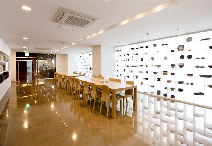 Sarangbang is a space for visitors to explore and share knowledge and information about Korean food and recipes.