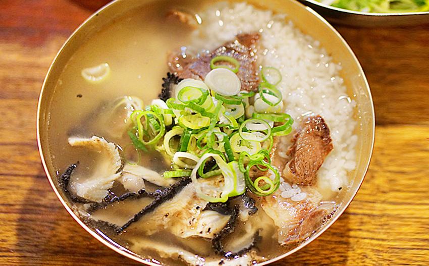 Суп комтхан и внешний вид ресторана Хадонкван